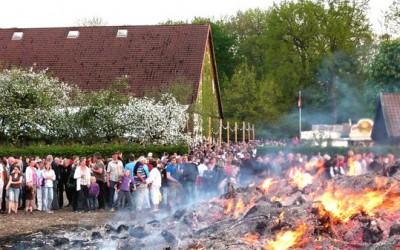 Anlieferung für Osterfeuer
