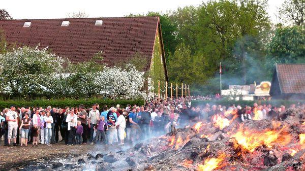Baumschnittannahme für das Osterfeuer